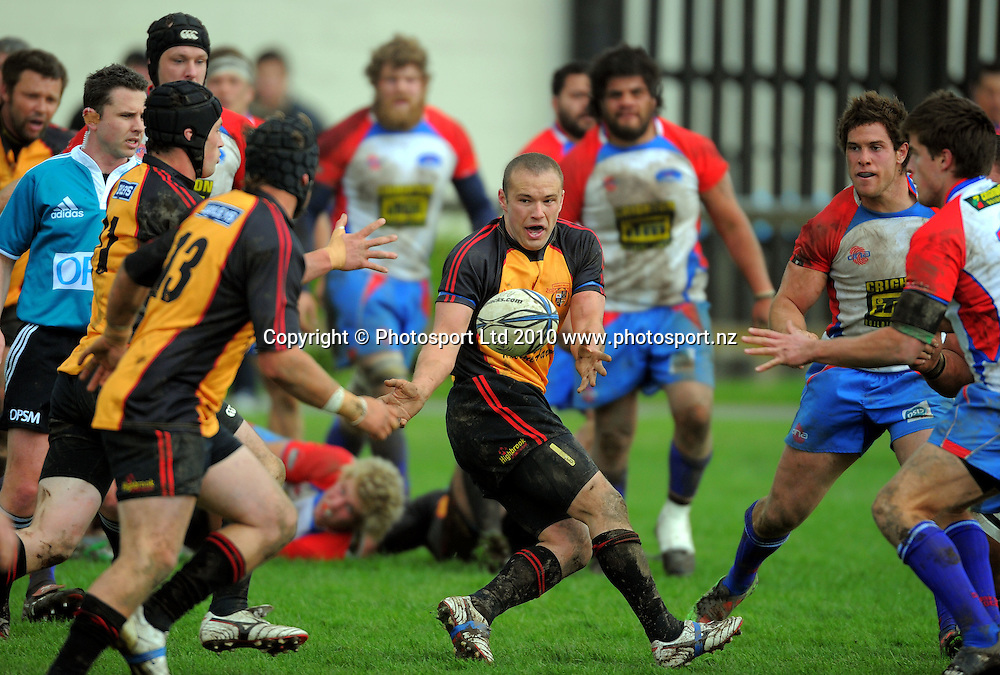 Thames Valley first five Rueben Meares feeds his outside backs. Heartland Championship rugby - Horowhenua Kapiti v Thames Valley at Easton Park, Foxton, New Zealand on Saturday, 18 September 2010. Photo: Dave Lintott/photosport.co.nz