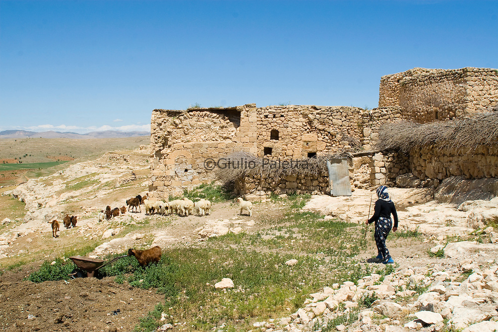 The ancient region of Tur Abdin in the south-east region of Turkey is inhabited by a Christian majority who is struggling to survive against the pression of the Kurds and the Turkish government
