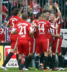 17.04.2011, Allianz Arena, Muenchen, GER, 1.FBL, FC Bayern Muenchen vs Bayer 04 Leverkusen, im Bild jubel nach dem 1-0 mit Bastian Schweinsteiger (Bayern #31)  , EXPA Pictures © 2011, PhotoCredit: EXPA/ nph/  Straubmeier       ****** out of GER / SWE / CRO  / BEL ******