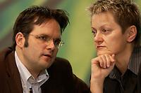 29 NOV 2003, DRESDEN/GERMANY:<br /> Matthias Berninger, B90/Gruene, Parl. Staatssekretaer im BM Verbraucherschutz, und Renate Kuenast, B90/Gruene, Bundesverbraucherschutzministerin, im Gespraech, , 22. Ordentliche Bundesdelegiertenkonferenz Buendnis 90 / Die Gruenen, Messe Dresden<br /> IMAGE: 20031129-01-021<br /> KEYWORDS: Bündnis 90 / Die Grünen, BDK, Gespräch, Renate Künast,<br /> Parteitag, party congress, Bundesparteitag