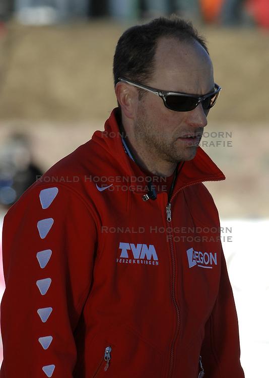 12-01-2007 SCHAATSEN: EUROPESE KAMPIOENSCHAPPEN: COLLALBO ITALIE <br /> Gerard Kempers - TVM coach<br /> &copy;2007-WWW.FOTOHOOGENDOORN.NL