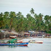 Pemba, vila de pescadores na cidade de Pemba na entrada Arquipélago das QuirimbasCaranguejo das Quirimbas. Arquipélago das Quirimbas, viajem em velha no coração de umas dos mais incrível arquipélago do mundo com uma das mais antigas embarcação do oceano indico. (Ibo Island Lodge)
