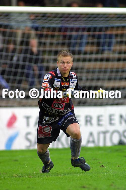08.09.2001 Tampere, Finland. Veikkausliiga, Tampere United v Kuopion Palloseura. Tatu Niskanen (KuPS).©JUHA TAMMINEN