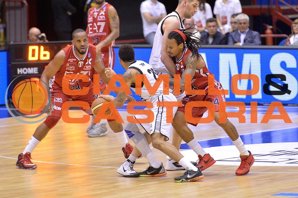 DESCRIZIONE : Milano Lega A 2014-15 EA7 Emporio Armani Milano vs Granarolo Bologna playoff Quarti di Finale gara 2 <br /> GIOCATORE : Ray Allan<br /> CATEGORIA : Controcampo blocco<br /> SQUADRA : Granarolo Bologna<br /> EVENTO : PlayOff Quarti di finale gara 2<br /> GARA : EA7 Emporio Armani Milano vs Granarolo Bologna PlayOff Quarti di finale Gara 2<br /> DATA : 20/05/2015 <br /> SPORT : Pallacanestro <br /> AUTORE : Agenzia Ciamillo-Castoria/Mancini Ivan<br /> Galleria : Lega Basket A 2014-2015 Fotonotizia : Milano Lega A 2014-15 EA7 Emporio Armani Milano vs Granarolo Bologna  playoff quarti di finale  gara 2 Predefinita :