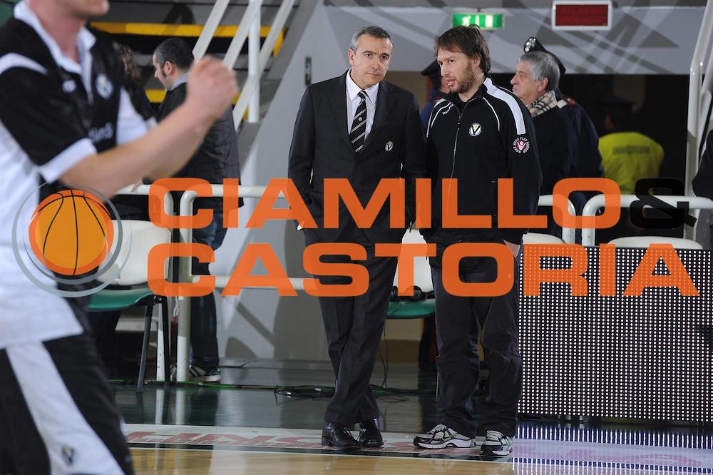 DESCRIZIONE : Avellino Lega A 2010-11 Air Avellino Canadian Solar Virtus Bologna<br /> GIOCATORE : Lino lardo Massimo Simonetta<br /> EVENTO : Campionato Lega A 2010-2011 <br /> GARA : Air Avellino Canadian Solar Virtus Bologna<br /> DATA : 060/02/2011<br /> CATEGORIA : Fair Play<br /> SPORT : Pallacanestro <br /> AUTORE : Agenzia Ciamillo-Castoria/GiulioCiamillo<br /> Galleria : Lega Basket A 2010-2011 <br /> Fotonotizia : Avellino Lega A 2010-11 Air Avellino Canadian Solar Virtus Bologna<br /> Predefinita :