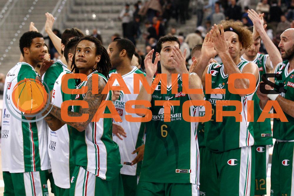 DESCRIZIONE : Torino Coppa Italia Final Eight 2011 Semifinale Montepaschi Siena Fabi Shoes Montegranaro<br /> GIOCATORE : David Moss Nikos Zisis Shaun Stonerook Pietro Aradori<br /> SQUADRA : Montepaschi Siena<br /> EVENTO : Agos Ducato Basket Coppa Italia Final Eight 2011<br /> GARA : Montepaschi Siena Fabi Shoes Montegranaro<br /> DATA : 12/02/2011<br /> CATEGORIA : esultanza<br /> SPORT : Pallacanestro<br /> AUTORE : Agenzia Ciamillo-Castoria/P.Lazzeroni<br /> Galleria : Final Eight Coppa Italia 2011<br /> Fotonotizia : Torino Coppa Italia Final Eight 2011 Semifinale Montepaschi Siena Fabi Shoes Montegranaro<br /> Predefinita :
