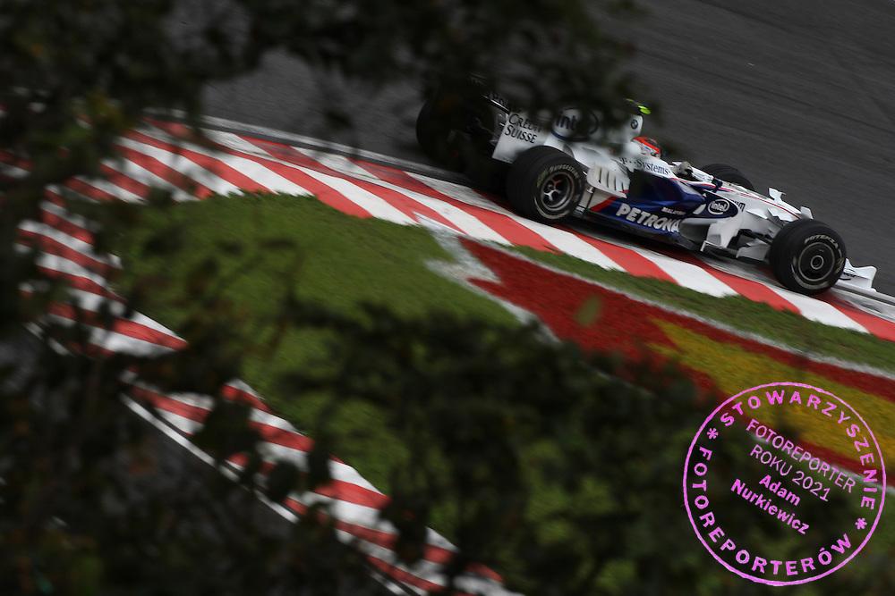 31.10.2008 Sao Paulo, Brazil, .Robert Kubica (POL), BMW Sauber F1 Team, F1.08 - Formula 1 World Championship, Rd 18, Brazilian Grand Prix, Friday Practice .FOT. XPB.CC / WROFOTO.*** POLAND ONLY !!! ***.*** NO INTERNET / MOBILE USAGE !!! ***
