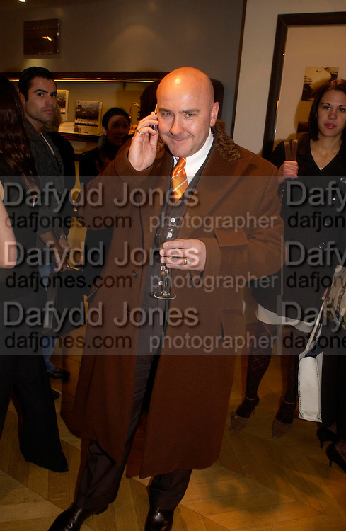 Mark Powell. Tod's hosts Book signing with Dante Ferretti celebrating the launch of 'Ferretti,- The art of production design' by Dante Ferretti. tod's, Old Bond St. 19 April 2005.  ONE TIME USE ONLY - DO NOT ARCHIVE  © Copyright Photograph by Dafydd Jones 66 Stockwell Park Rd. London SW9 0DA Tel 020 7733 0108 www.dafjones.com
