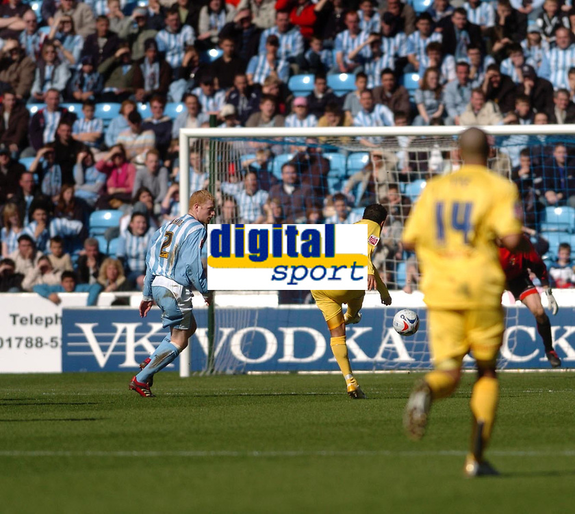 Photo: Leigh Quinnell.<br /> Coventry City v Preston North End. Coca Cola Championship. 01/04/2006. Prestons Simon Whaley fires in his goal.