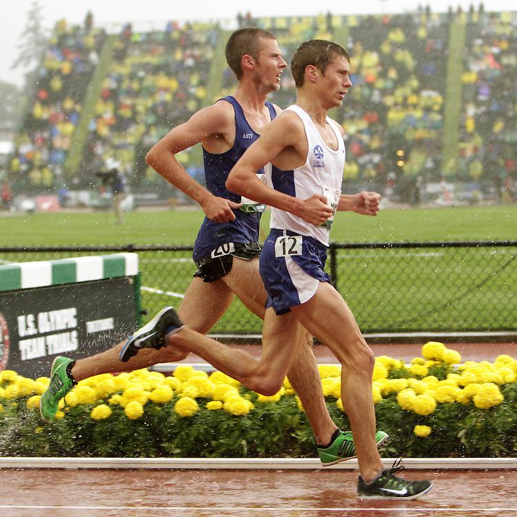 Olympic Trials Eugene 2012: men's 10,000 meter final, Bobby Mack III leads Jeff Schirmer in rain