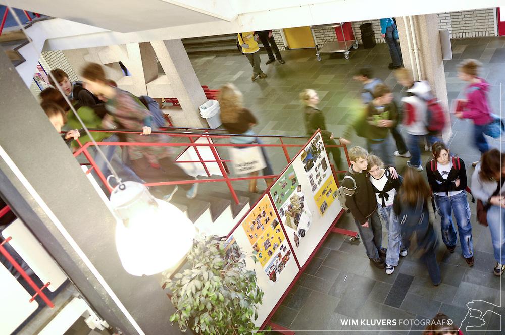 Hilversum 20061219. Christiaan Huijgens College,