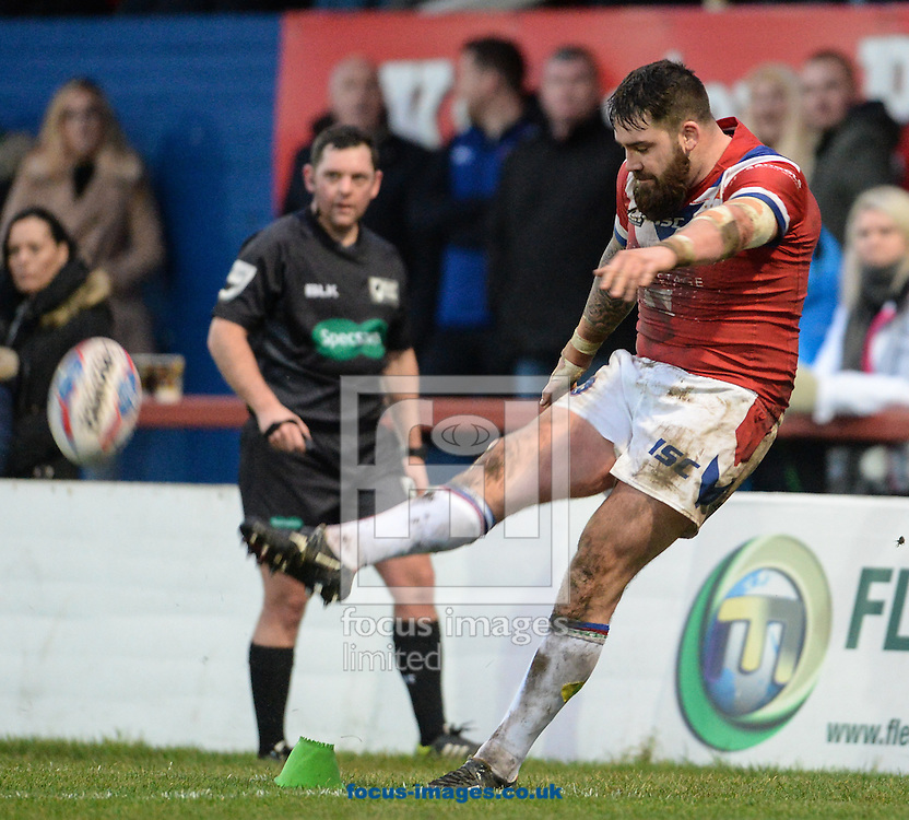 Craig Huby of Wakefield Trinity Wildcats kicks for goal during the Pre-season Friendly match at Belle Vue, Wakefield<br /> Picture by Richard Land/Focus Images Ltd +44 7713 507003<br /> 15/01/2017