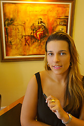 A advogada Karine Costalunga em seu escritório, em Porto Alegre. FOTO: Jefferson Bernardes/Preview.com