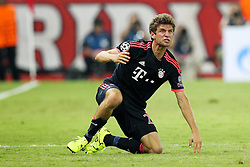 16.09.2015, Karaiskakis Stadium, Piräus, GRE, UEFA CL, Olympiakos Piräus vs FC Bayern München, Gruppe F, im Bild Thomas Mueller #25 (FC Bayern Muenchen) nach dem Foul am Boden // during UEFA Champions League group F match between Olympiacos F.C. and FC Bayern Munich at the Karaiskakis Stadium in Piräus, Greece on 2015/09/16. EXPA Pictures © 2015, PhotoCredit: EXPA/ Eibner-Pressefoto/ Kolbert<br /> <br /> *****ATTENTION - OUT of GER*****
