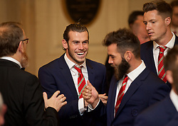 CARDIFF, WALES - Monday, October 5, 2015: Wales' Gareth Bale, Joe Ledley and goalkeeper Wayne Hennessey arrive for the FAW Awards Dinner Dinner at Cardiff City Hall. (Pic by David Rawcliffe/Propaganda)