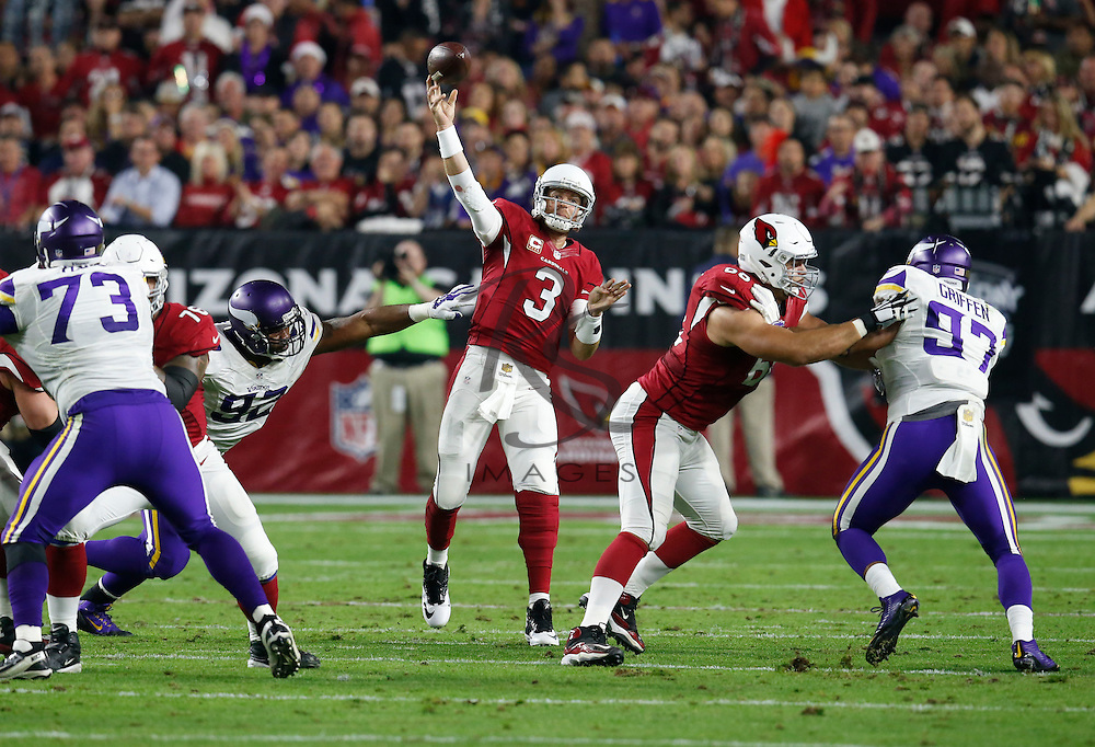 Arizona Cardinals quarterback Carson Palmer (3) throws against the Minnesota Vikings during the first half of an NFL football game, Thursday, Dec. 10, 2015, in Glendale, Ariz. (AP Photo/Rick Scuteri)