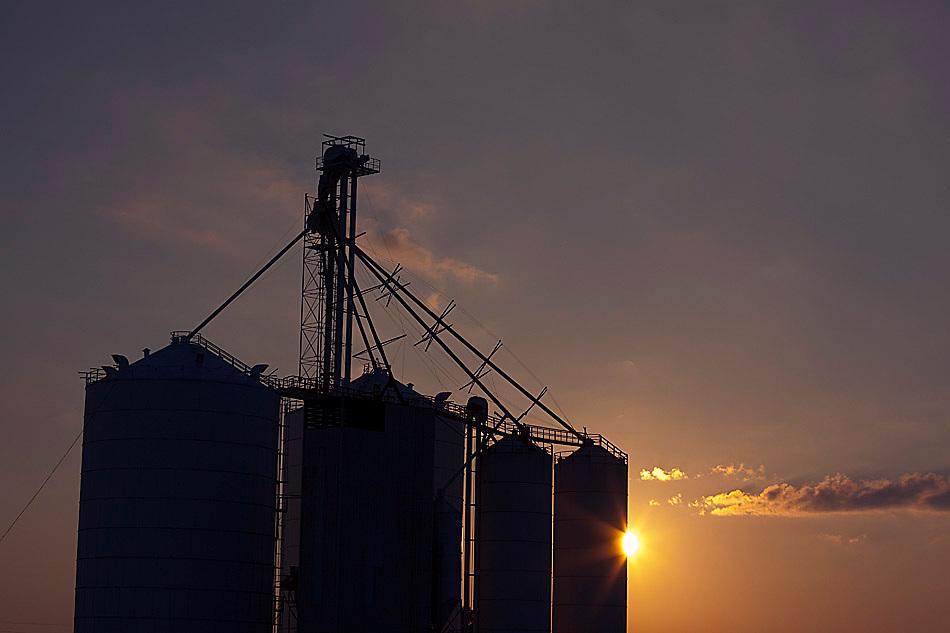 Smithshire Grain Elevator, Smithshire, IL.