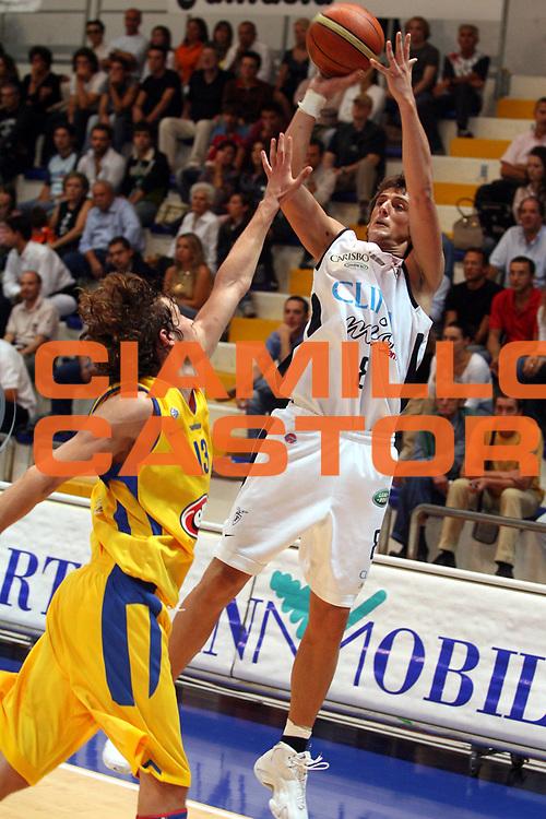 DESCRIZIONE : Roseto Precampionato Lega A1 2006 2007 Trofeo Lido delle Rose Climamio Fortitudo Bologna Maccabi Tel Aviv<br />GIOCATORE : Belinelli<br />SQUADRA : Climamio Fortitudo Bologna<br />EVENTO : Precampionato Lega A1 2006 2007 Trofeo Lido delle Rose Climamio Fortitudo Bologna Maccabi Tel Aviv<br />GARA : Climamio Fortitudo Bologna Maccabi Tel Aviv<br />DATA : 29/09/2006<br />CATEGORIA : Tiro<br />SPORT : Pallacanestro<br />AUTORE : Agenzia Ciamillo-Castoria/G.Ciamillo
