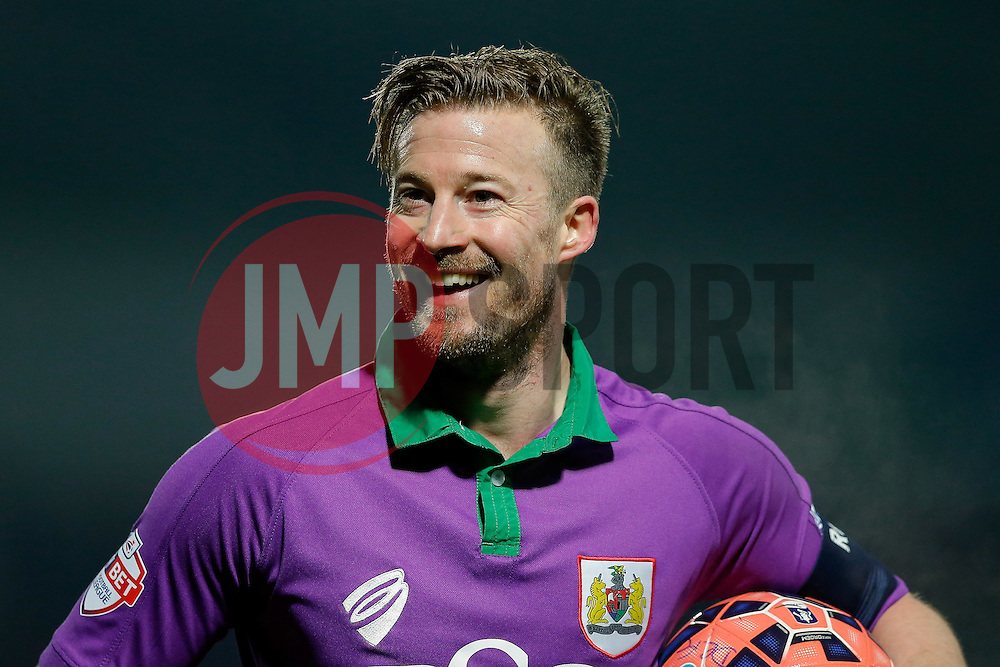 Wade Elliott of Bristol City laughs after a questionable decision by the linesman - Photo mandatory by-line: Rogan Thomson/JMP - 07966 386802 - 03/01/2015 - SPORT - FOOTBALL - Doncaster, England - Keepmoat Stadium - Doncaster Rovers v Bristol City - FA Cup Third Round Proper.
