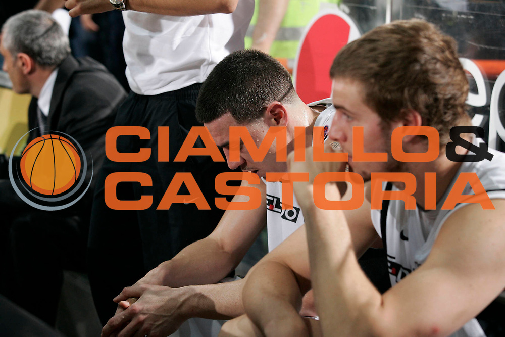 DESCRIZIONE : Caserta Lega A 2009-10 Playoff Semifinale Gara 5 Pepsi Caserta Armani Jeans Milano<br /> GIOCATORE : Fabio Di Bella Aaron Doornekamp<br /> SQUADRA : Pepsi Caserta<br /> EVENTO : Campionato Lega A 2009-2010 <br /> GARA : Pepsi Caserta Armani Jeans Milano<br /> DATA : 10/06/2010<br /> CATEGORIA : delusione<br /> SPORT : Pallacanestro <br /> AUTORE : Agenzia Ciamillo-Castoria/A.De Lise<br /> Galleria : Lega Basket A 2009-2010 <br /> Fotonotizia : Caserta Lega A 2009-10 Playoff Semifinale Gara 5 Pepsi Caserta Armani Jeans Milano<br /> Predefinita :