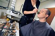 Nederland, Arnhem, 31-1-2008Jeroen van koningsbrugge, een van de Lamas tijdens de make-up voor het optreden.Foto: Flip Franssen