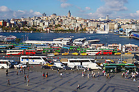 Turquie, Istanbul, la Corne d'Or et le quartier Eminonu // Turkey, Istanbul, Golden Horn, Eminonu neighbourhood