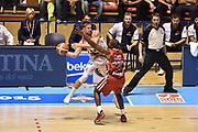 Descrizione: Beko Supercoppa 2015 Finale Grissin Bon Reggio Emilia - Olimpia EA7 Emporio Armani Milano<br /> GIOCATORE: Andrea De Nicolao<br /> CATEGORIA: Passaggio<br /> SQUADRA: Grissin Bon Reggio Emilia<br /> EVENTO: Beko Supercoppa 2015<br /> GARA: Grissin Bon Reggio Emilia - Olimpia EA7 Emporio Armani Milano<br /> DATA: 27/09/2015<br /> SPORT: Pallacanestro<br /> AUTORE: Agenzia Ciamillo-Castoria/GiulioCiamillo