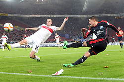 30.12.2015, Mercedes Benz Arena, Stuttgart, GER, 1. FBL, VfB Stuttgart vs Hamburger SV, 19. Runde, im Bild Neuzugang Kevin Grosskreuz (VfB Stuttgart) Ivo Ilicevic (Hamburger SV) // during the German Bundesliga 19th round match between VfB Stuttgart and Hamburger SV at the Mercedes Benz Arena in Stuttgart, Germany on 2015/12/30. EXPA Pictures © 2016, PhotoCredit: EXPA/ Eibner-Pressefoto/ Langer<br /> <br /> *****ATTENTION - OUT of GER*****