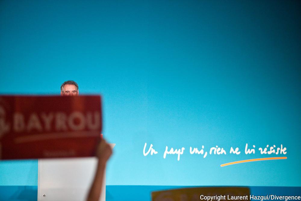 04032012. Rouen et Petit-Couronne. Campagne présidentielle 2012. François Bayrou. Rencontre chez Petroplus à Petit-Couronne et meeting à Rouen.