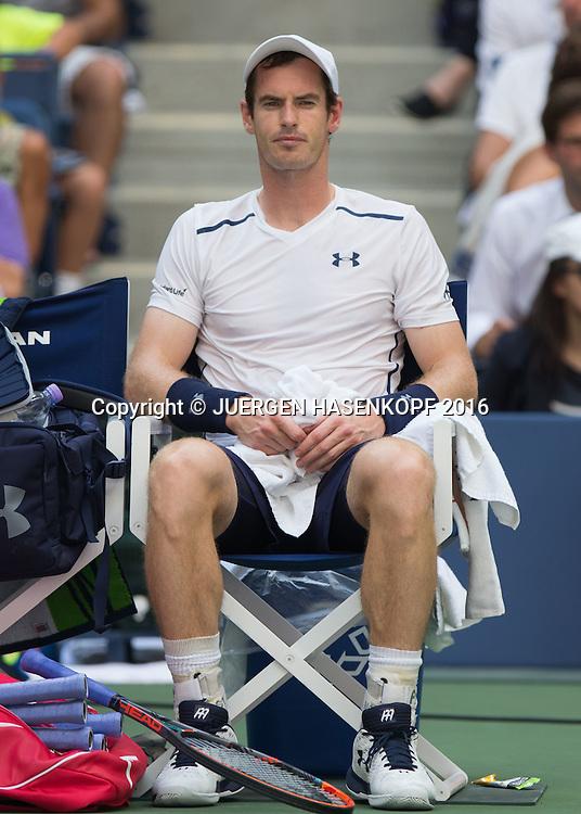 ANDY MURRAY (GBR) sitzt auf dem Stuhl waehrend Spielpause,<br /> <br /> Tennis - US Open 2016 - Grand Slam ITF / ATP / WTA -  USTA Billie Jean King National Tennis Center - New York - New York - USA  - 7 September 2016.