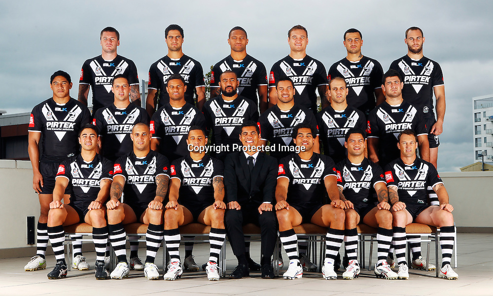 Back Row (L to R) Shaun Kenny-Dowall, Jesse Bromwich, Manu Vatuvei, Jared Waerea-Hargreaves, Ben Matulino, Simon Mannering. Middle Row (L to R) Jason Taumalolo, Gerard Beale, Josh Hoffman, Frank Pritchard, Alex Glenn, Jason Nightingale, Sam McKendry. Front Row (L to R) Shaun Johnson, Jeremy Smith, Benji Marshall, Coach Stephen Kearney, Adam Blair, Issac Luke, Nathan Fein. 2012 New Zealand Kiwis rugby league team photoshoot, Headshots and team photo. Pullman Hotel, Auckland. 17 April 2012. Photo: William Booth/photosport.co.nz