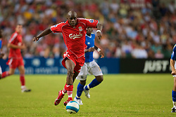 Hong Kong, China - Friday, July 27, 2007: Liverpool's Momo Sissoko in action against Portsmouth during the final of the Barclays Asia Trophy at the Hong Kong Stadium. (Photo by David Rawcliffe/Propaganda)