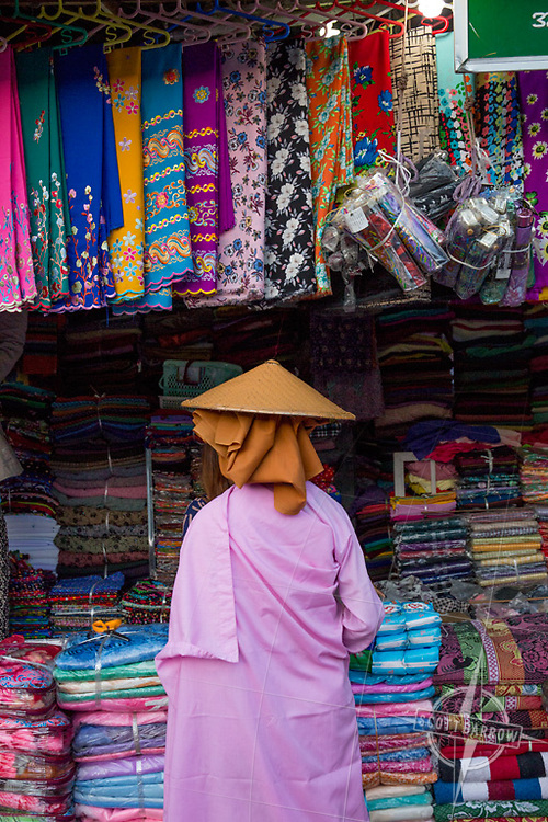 Scenes from the Mandalay market.