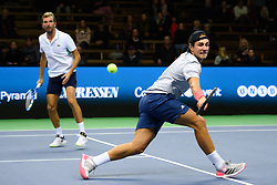 October 20, 2018 - Stockholm, SVERIGE - 181020 Frankrikes Julien Benneteau och Lucas Pouille under en semifinal av tennisturneringen Stockholm Open den 20 oktober 2018 i Stockholm  (Credit Image: © Simon HastegRd/Bildbyran via ZUMA Press)