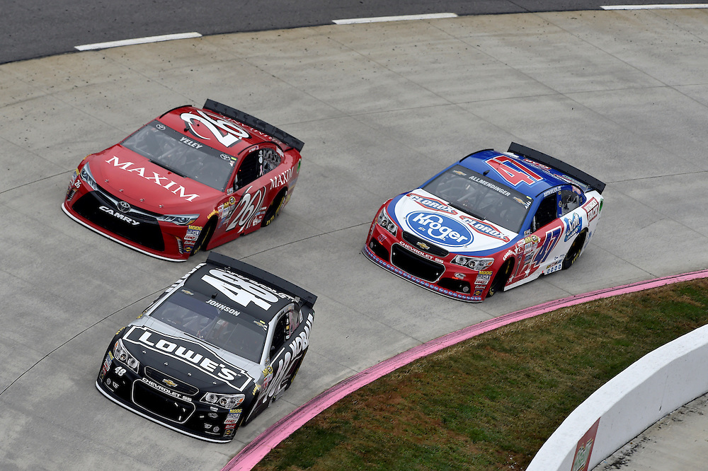 30 October - 1 November, 2015, Martinsville, Virginia USA<br /> J.J. Yeley, Jimmie Johnson, AJ Allmendinger<br /> &copy;2015 Scott R LePage <br /> LAT Photo USA