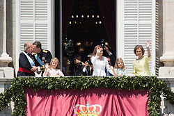 """19.06.2014, Palacio Real, Madrid, ESP, Inthronisierung, König Felipe VI, im Bild New Kings of Spain Felipe VI and Letizia At The """"Royal Palace"""" with the Royal Family // during the Enthronement ceremonies of King Felipe VI at the Palacio Real in Madrid, Spain on 2014/06/19. EXPA Pictures © 2014, PhotoCredit: EXPA/ Alterphotos/ Carlos Dafonte<br /> <br /> *****ATTENTION - OUT of ESP, SUI*****"""