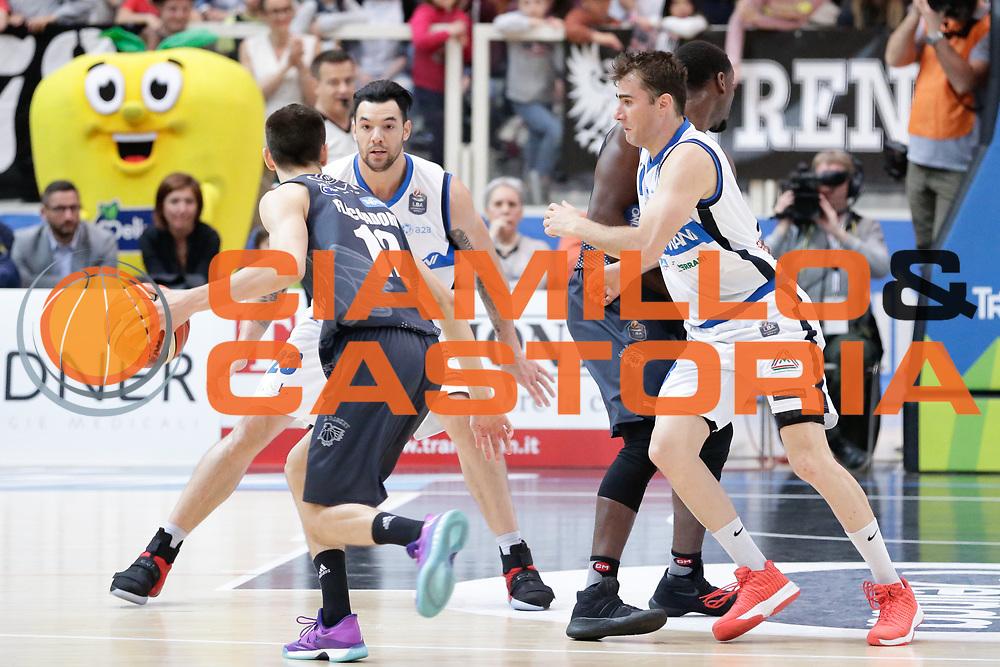 Diego Flaccadori, Franko Bushati<br /> Dolomiti Energia Aquila Basket Trento - Germani Basket Brescia Leonessa<br /> Lega Basket Serie A 2016/2017<br /> PalaTrento, 23/04/2017<br /> Foto Ciamillo-Castoria / M. Brondi