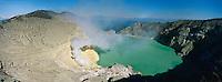 Indonesie. ile de Java. Cratere du volcan Kawah Ijen. // Indonesia. Java island. Kawah Ijen volcano.