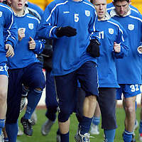 St Johnstone training...16.01.2004<br />Jim Weir pictured in training this morning ready to make his comeback against Clyde tomorrow after being out over twelve months with a knee injury.<br />see story by Gordon Bannerman Tel: 01738 553978<br />Picture by Graeme Hart.<br />Copyright Perthshire Picture Agency<br />Tel: 01738 623350  Mobile: 07990 594431