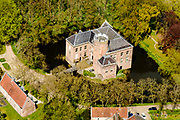 Nederland, Utrecht, Loenen aan de Vecht, 28-04-2017; Kasteel Loenersloot, buitenplaats en in beheer bij Utrechts landschap.<br /> Loenersloot castle, between Utrecht and Amsterdam.<br /> <br /> luchtfoto (toeslag op standard tarieven);<br /> aerial photo (additional fee required);