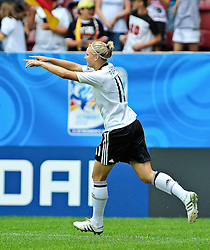 20.07.2010, , Augsburg, GER, FIFA U-20 Frauen Worldcup, Frankreich vs Deutschland, im Bild Alexandra POPP (FCR Duisburg #11), Ganzkoerper / Ganzk^rper, Freisteller, Hochformat / Upright Format, Einzelaktion / Aktion, Torschuetze, EXPA Pictures © 2010, PhotoCredit: EXPA/ nph/  Roth+++++ ATTENTION - OUT OF GER +++++ / SPORTIDA PHOTO AGENCY