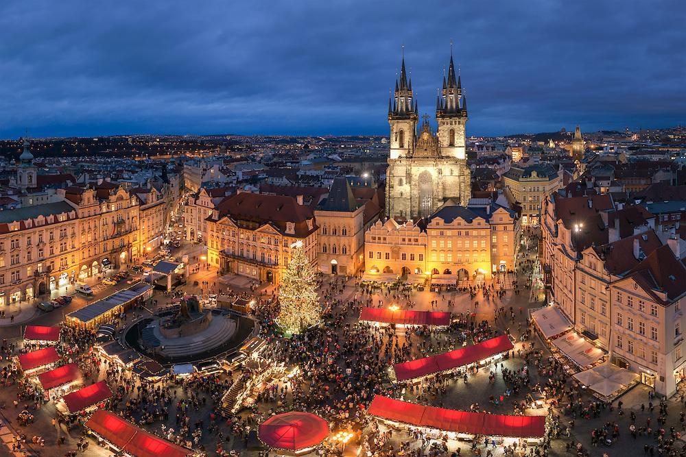 prag weihnachtsmarkt bei nacht harald nachtmann