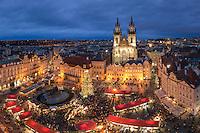 Der Weihnachtsmarkt im Zentrum von Prag auf dem Altstädter Ring ist der bekannteste und größte Weihnachtsmarkt in Prag und vom 2. Dezember 2018 – 6. Januar 2019 geöffnet.