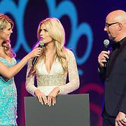 NLD/Hilversum/20131208 - Miss Nederland finale 2013, Stephanie Tency in gesprek met Kim Kotter en Maik de Boer
