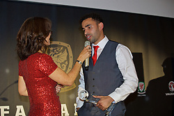 CARDIFF, WALES - Tuesday, November 8, 2016: Wales' Hal Robson-Kanu is awarded the Goal of the Tournament award during the FAW Awards Dinner at the Vale Resort. (Pic by David Rawcliffe/Propaganda)