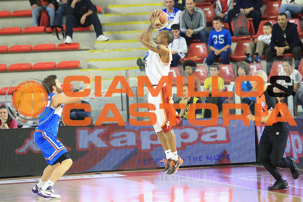 DESCRIZIONE : Roma Lega A 2012-2013 Acea Roma Enel Brindisi<br /> GIOCATORE : Phil Goss<br /> CATEGORIA : three points controcampo<br /> SQUADRA : Acea Roma<br /> EVENTO : Campionato Lega A 2012-2013 <br /> GARA : Acea Roma Enel Brindisi<br /> DATA : 21/04/2013<br /> SPORT : Pallacanestro <br /> AUTORE : Agenzia Ciamillo-Castoria/M.Simoni<br /> Galleria : Lega Basket A 2012-2013  <br /> Fotonotizia : Roma Lega A 2012-2013 Acea Roma Enel Brindisi<br /> Predefinita :