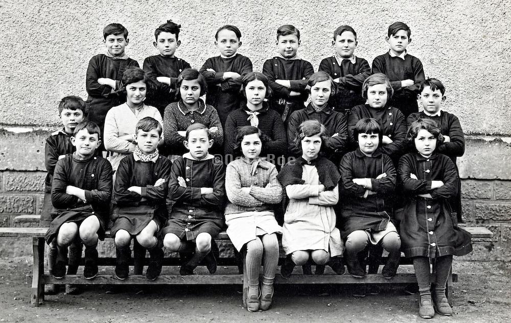 school class group portrait 1910s France