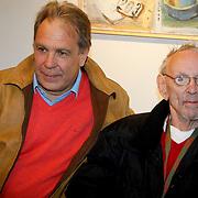NLD/Laren/20100419 - Overhandiging boek John Kraaijkamp, Maarten Spanjer en Rijk de Gooyer