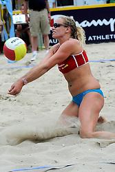 06-06-2010 VOLLEYBAL: JIBA GRAND SLAM BEACHVOLLEYBAL: AMSTERDAM<br /> In een koninklijke ambiance streden de nationale top, zowel de dames als de heren, om de eerste Grand Slam titel van het seizoen bij de Jiba Eredivisie Beach Volleyball - Sanne Keizer<br /> ©2010-WWW.FOTOHOOGENDOORN.NL