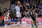 DESCRIZIONE : Beko Legabasket Serie A 2015- 2016 Dinamo Banco di Sardegna Sassari - Obiettivo Lavoro Virtus Bologna<br /> GIOCATORE : Tony Mitchell<br /> CATEGORIA : Tiro Tre Punti Three Point Controcampo Ritardo<br /> SQUADRA : Dinamo Banco di Sardegna Sassari<br /> EVENTO : Beko Legabasket Serie A 2015-2016<br /> GARA : Dinamo Banco di Sardegna Sassari - Obiettivo Lavoro Virtus Bologna<br /> DATA : 06/03/2016<br /> SPORT : Pallacanestro <br /> AUTORE : Agenzia Ciamillo-Castoria/L.Canu